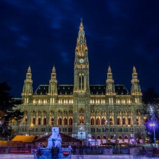 Trhy před vídeňskou radnicí.