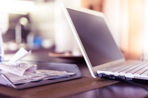 notebook a účtenky