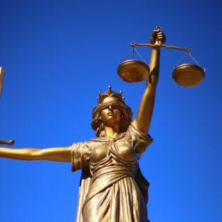 spravedlnost - soška